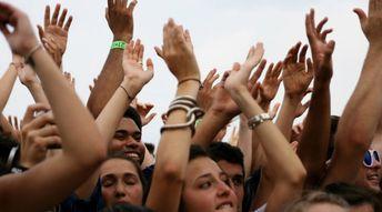 Taper des mains en chorale